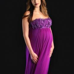 Glam Maternity Photo Shoot | Photo: Kathleen Ryan